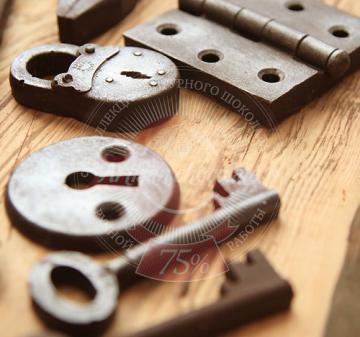 Подарок дверникам и мебельщикам. Шоколадный набор мастер
