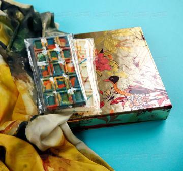 полезные подарки клиентам оптом| -Женский головной платок 70х70, шелковый с авторским принтом.  Креативный шоколад, подарочная упаковка кашированный картон. Брендирование. Изготовление, пошив платков по вашему ТЗ. Дизайн-макеты платков.