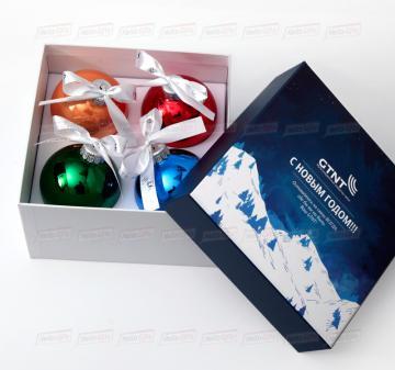 Корпоративные подарки на Новый год 2021 | Набор стеклянных ёлочных шаров с логотипом компании