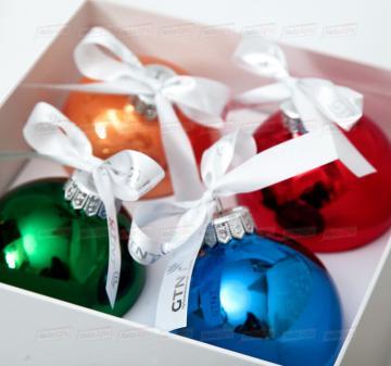 Корпоративные подарки на Новый год 2021| Набор стеклянных ёлочных шаров с логотипом компании