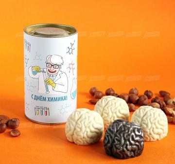 Подарки на день химика с логотипом  | Упаковка: тубус 12,5x7,5 см., брендирование бесплатно.  Смесь орехов: миндаль, кешью, фундук 150 г.  Шоколадный мозг 60 г, из темного или белого шоколада  Barry Callebaut (Бельгия). При тираже от 100 штук возможно изготовление шоколадного мозга с начинкой пралине. | Креативные корпоративные подарки на праздники,  мероприятия и  конференции.Подарки с логотипом на День химика