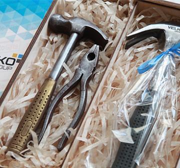 Инструменты из шоколада  Корпоративные подарки к профессиональным праздникам | Съедобные бизнес-сувениры коллегам и партнерам по бизнесу
