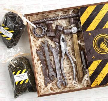 Новогодние корпоративные  подарки коллегам и партнерам  с логотипом, Съедобные вкусные оригинальные подарки  на заказ на 2017 год | мужчинам на День строителя