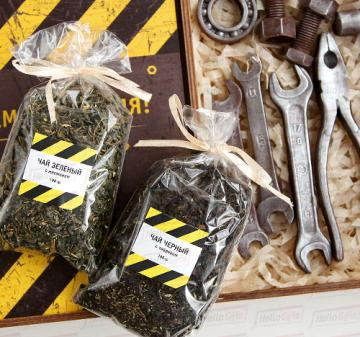 Новогодние корпоративные  подарки коллегам и партнерам  с логотипом, изготовим корпоративные подарочный набор с инструментами из шоколада для детей сотрудников к Новому году.