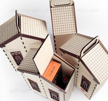 Вкусные и полезные подарки  с мёдом  с Вашим логотипом. Новогодний подарок домик с мёдом. Брендирование. Ваш логотип на домике с медом Домик может быть  изготовлени любой формы и цвета.   Строители! Спациально для Вас! Мы изготовим домик в форме Вашего строительного объекта.