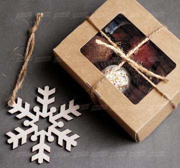 Съедобные корпоративные новогодние подарки | - Набор конфет ручной работы 6 шт.
