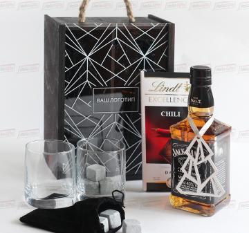 Оригинальные корпоративные подарки с логотипом кейс с алкоголем