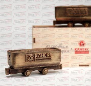 Подарки работникам машиностроительной отрасли к профессиональным праздникам | создание индивидуальной 3D-модели вашего сувенира | подарки железнодорожникам |корпоративные подарки газовикам и нефтяникам | подарки геологам | подарки с логотипом на заказ | кейсы с алкоголем | новогодние подарки корпоративным клиентам