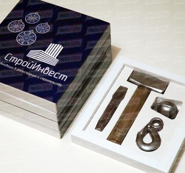 Подарки с логотипом на День Строителя. | Шоколадные инструменты| Подарки к профессиональным праздникам с логотипом компании