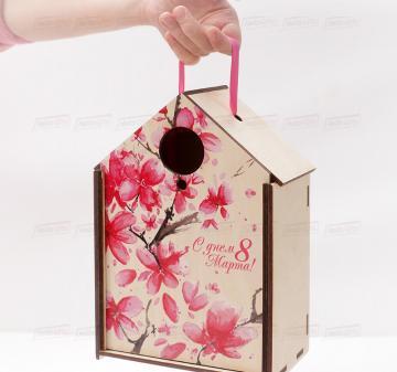 упаковка для корпоративных подарков  СКВОРЕЧНИК | коллегам на  8 марта Подарочный футляр для подарков из дерева в виде дома или скворечника, фанера 5 мм. Брендирование бесплатно. Печать любого векторного изображения.Размер: 180х260х110мм.