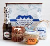 Новогодние подарки с алкоголем. мёдом, чаем и сладостями к новому году