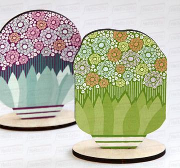 Цветы в вазе | Фигурка из дерева