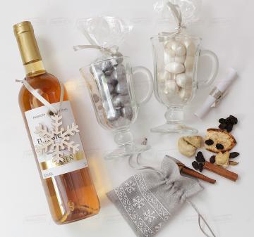 Подарки на Новый год оптом с сухим  вином