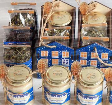 Подарки клиентам к Новому году с мёдом и чаем