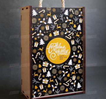 Упаковка для корпоративных  подарков на праздники оптом - Футляр для Новогоднего подарка с алкоголем из дерева (брендирование бесплатно). Размер: 230x320х120мм