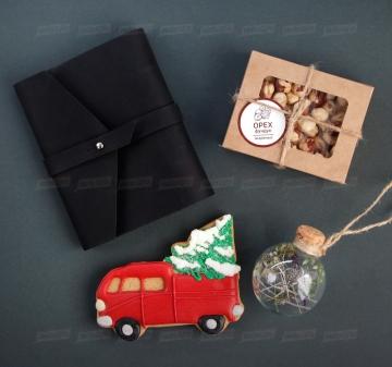 Корпоративные подарки на Новый год 2021 клиентам и сотрудникам