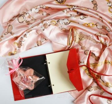 Оригинальные корпоративные подарки для женщин на 8 марта
